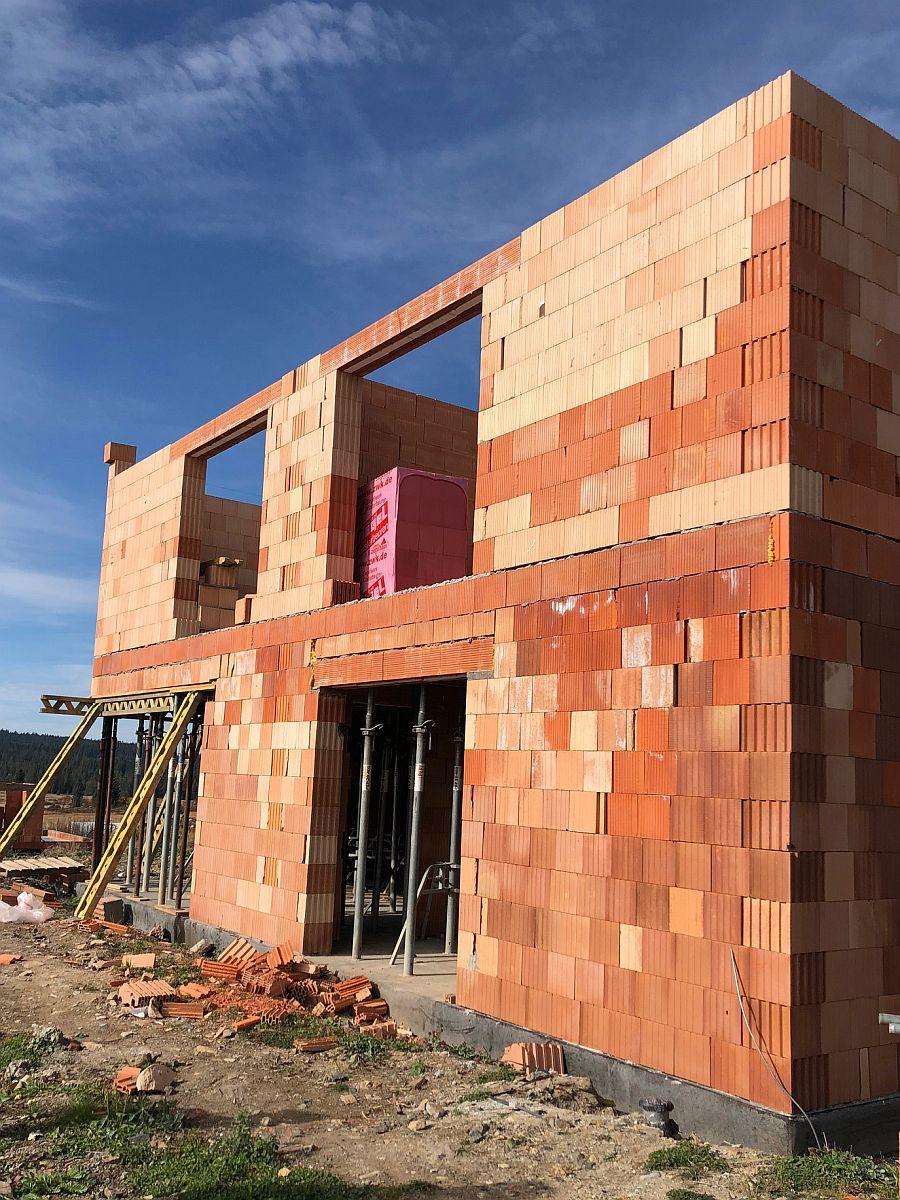 Stavba bytů na Božím Daru - říjen 2018, hrubá stavba patra