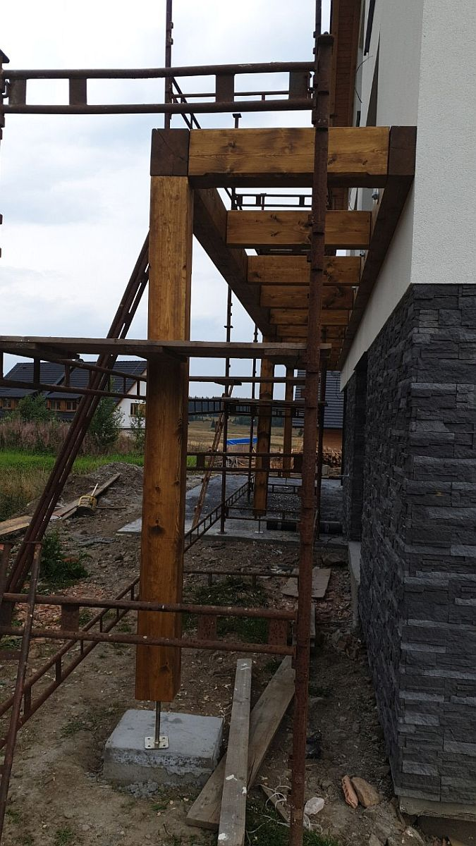 Byty Boží Dar - montáž balkonu
