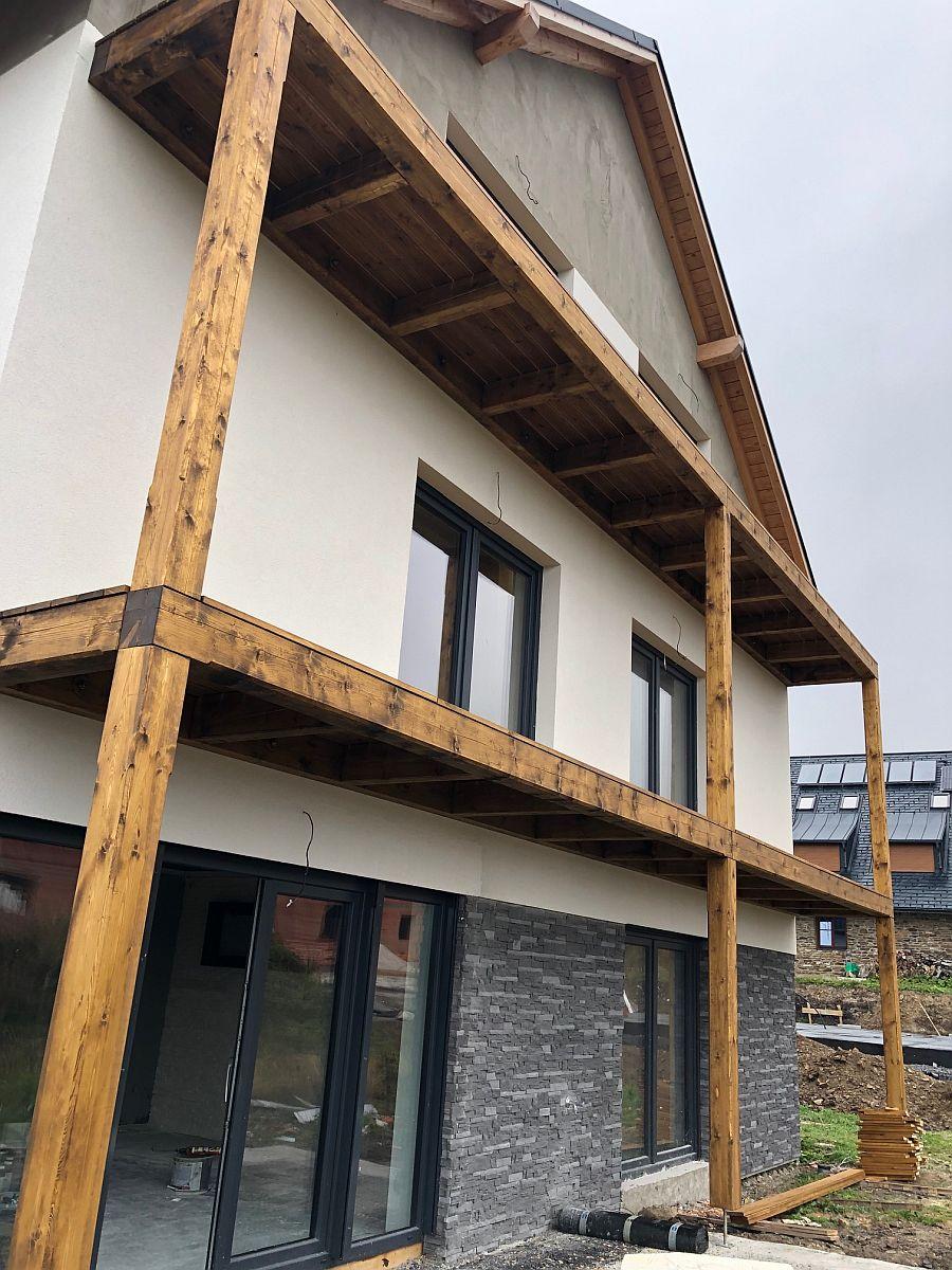 Byty Boží Dar - osazené balkony 3